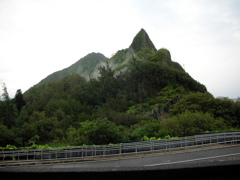 79. Ko'olau Volcano.JPG