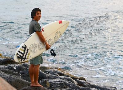 Surfer holding board MagIsle 071411 30