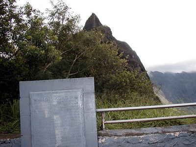 16  Pali Road Marker