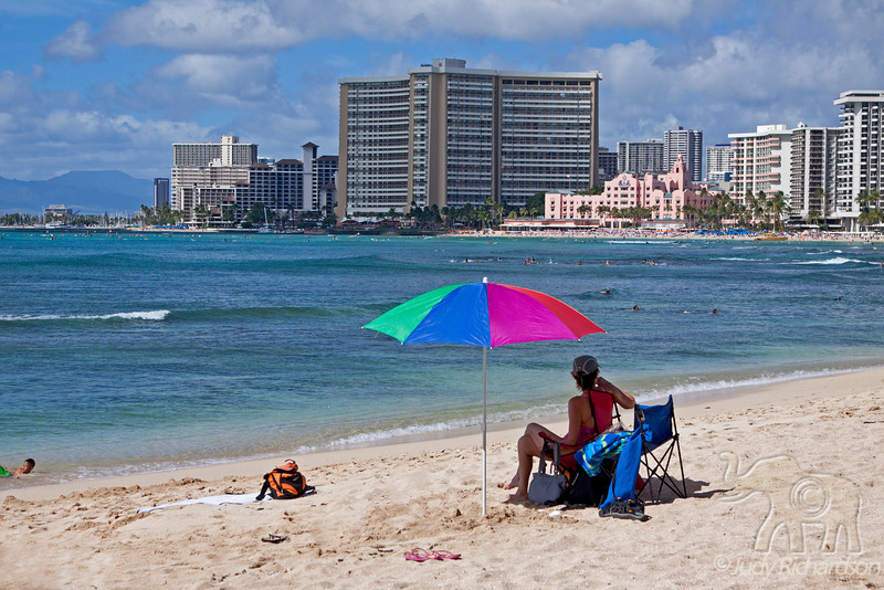 Beach day in Waikiki~ Looking at the Sheraton Waikiki and Royal Hawaiian Hotels