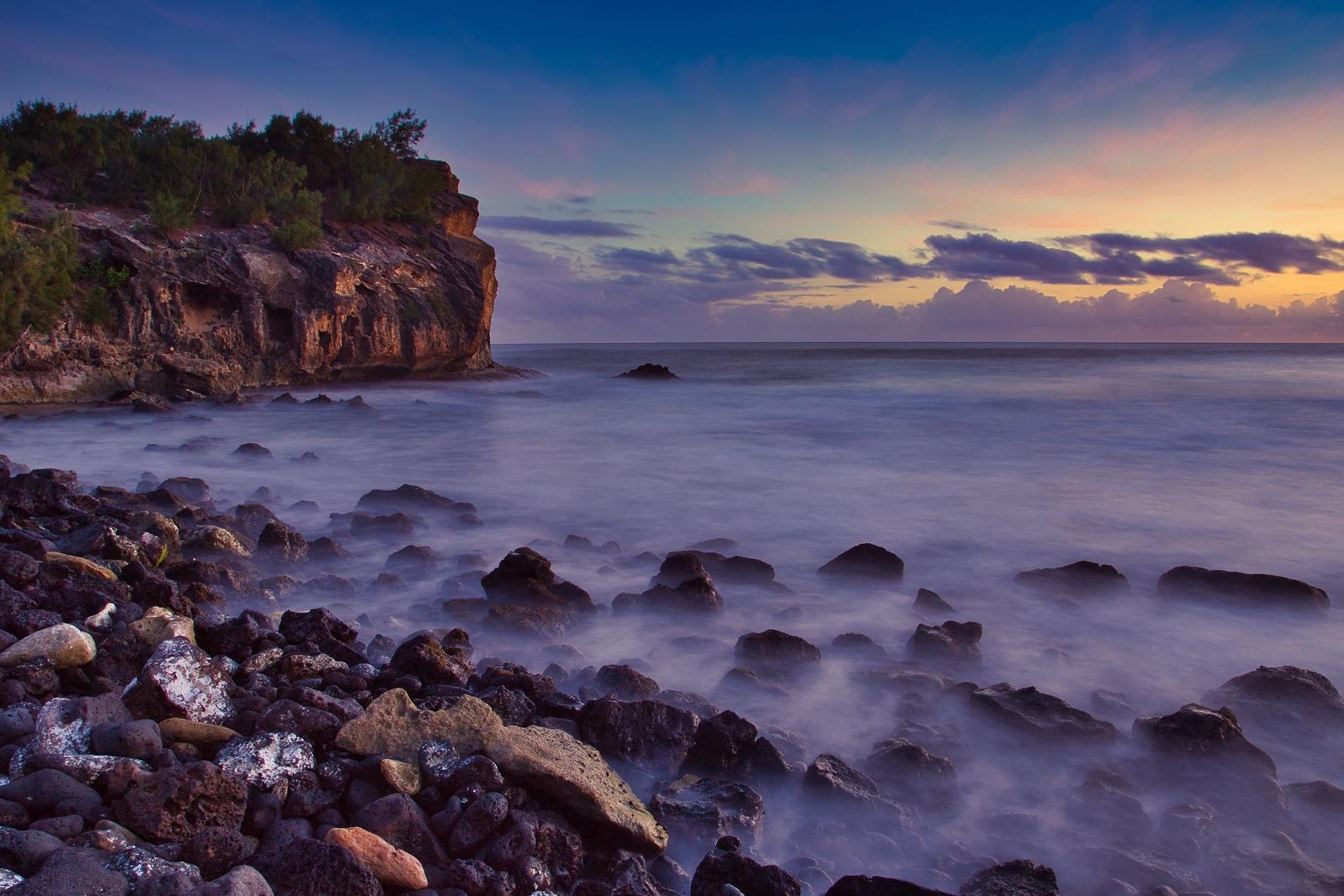 IMAGE: https://photos.smugmug.com/Hawaii/i-KwwHbTJ/0/ac4b5f8a/X3/Cliffs%20at%20Shipwreck%201-X3.jpg