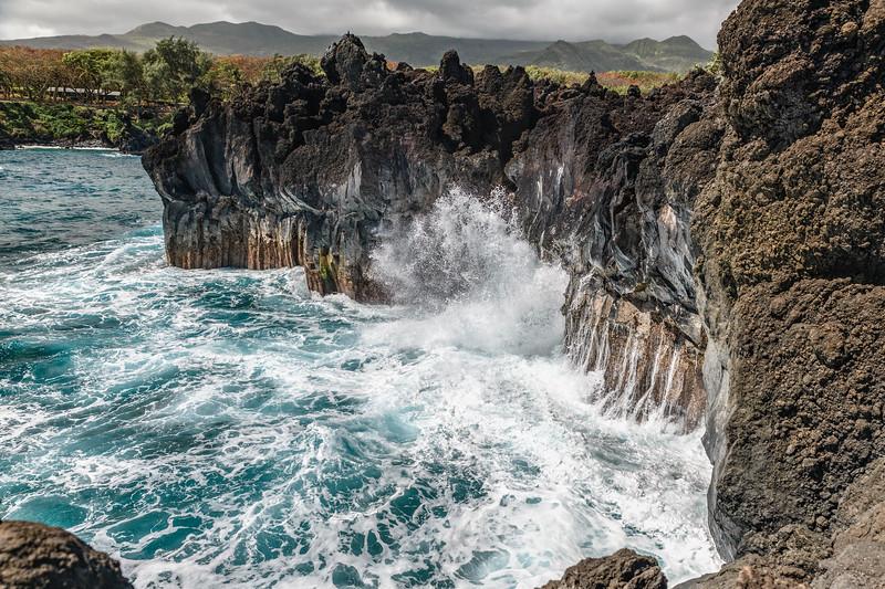 Surf Waianapanapa