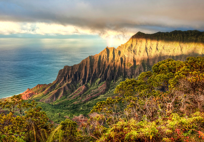 Kalalalu Lookout in Kauai, Hawaii