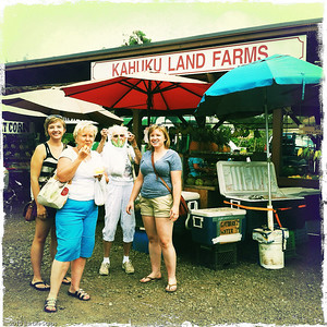 Local fruit stand on North Shore - so many varieties to taste !