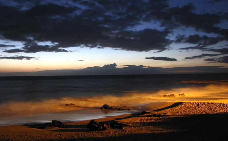 Ghostly night at Keawakapu Beach