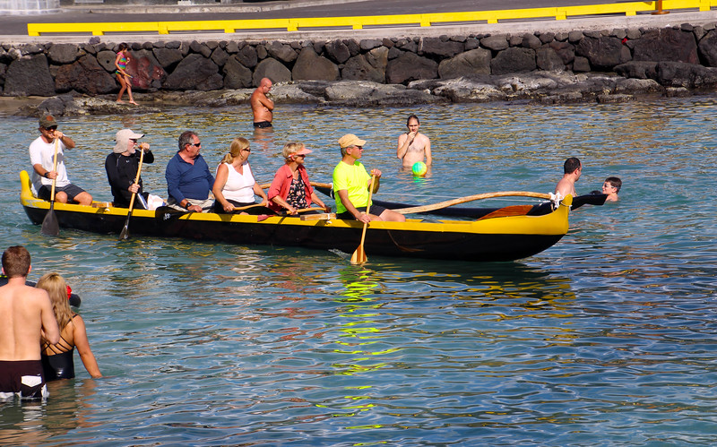 Hawaii, UnCruise Adventures, Cruise Passengers on Canoe, Kailua-Kona, Big Island