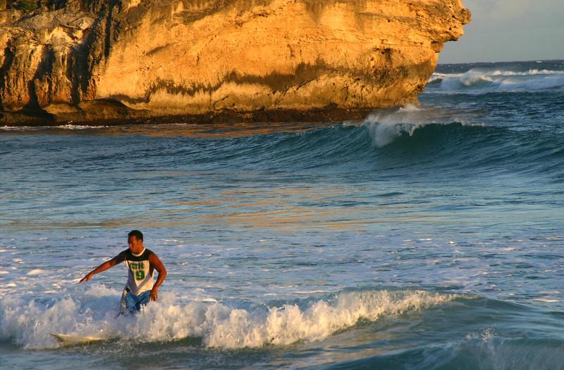 Hawaii, Kauai, Poipu Surfer