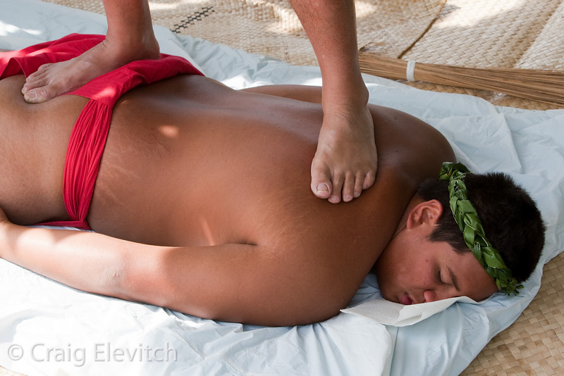 Lomi lomi massage was available to all.
