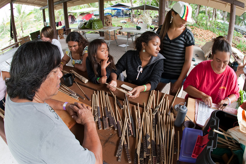 Uncle George Place and Auntie Chantelle show Nicky and ohana how to kapala.