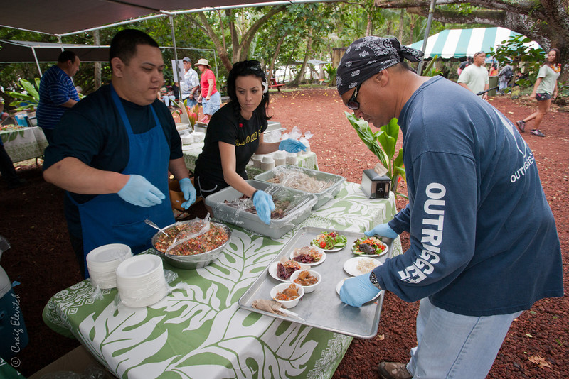 Over 800 people enjoyed a sumptuous buffet lunch donated and prepared by Team Pai'ea of Kamehameha Schools and Kamehameha Schools Land Assets Division featured 'Ulu Stew (Beef and Vegetarian), Warabi and 'Ulu Salad and 'Ulu Bread Rolls.