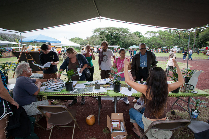 The display tables of the Hawai'i Homegrown Food Network and the Breadfruit Institute were popular.