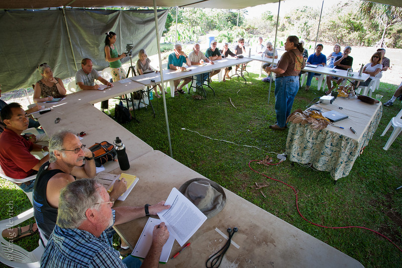 Hannah Kihalani Springer opens the March 12 workshop with Hawaiian stories at Amy Greenwell Ethnobotanical Garden in South Kona.