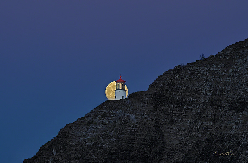 Makapuu Lighthouse Moonrise #4