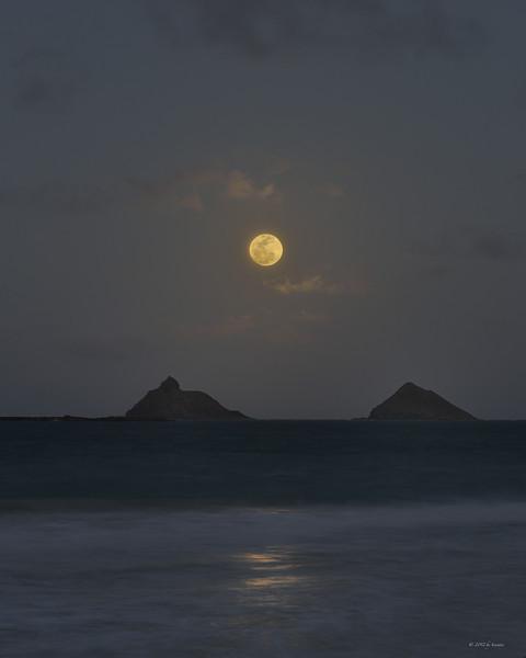 Mokulua Moonrise #3 (Poster)