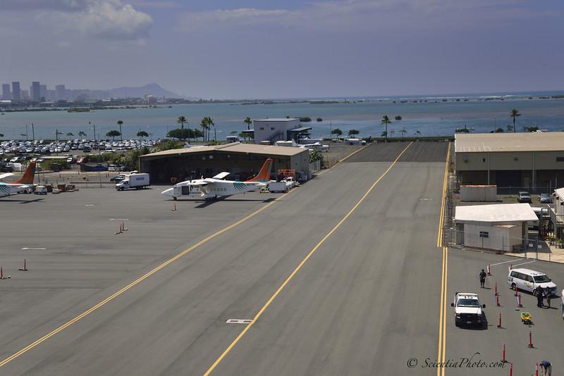 Landing at Makanikai Helicopters