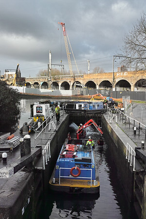 2016 - January - Renewing the Hawley Lock Canal gates - Canals and Rivers Trust