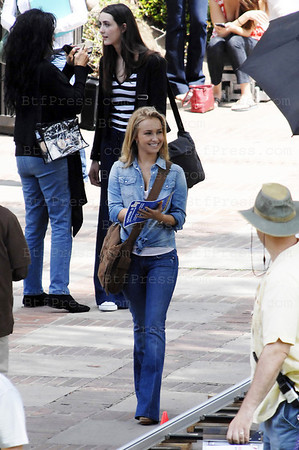 Non Exclusive. Hayden Panettiere during the set of the serie Heroes in Los Angeles, California.(Photo by Michel Boutefeu)