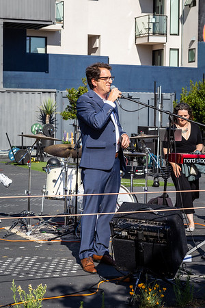 DAISY_ROSE_COBY_2021_HAYES_VALLEY_REOPENING_CELEBRATION_0075