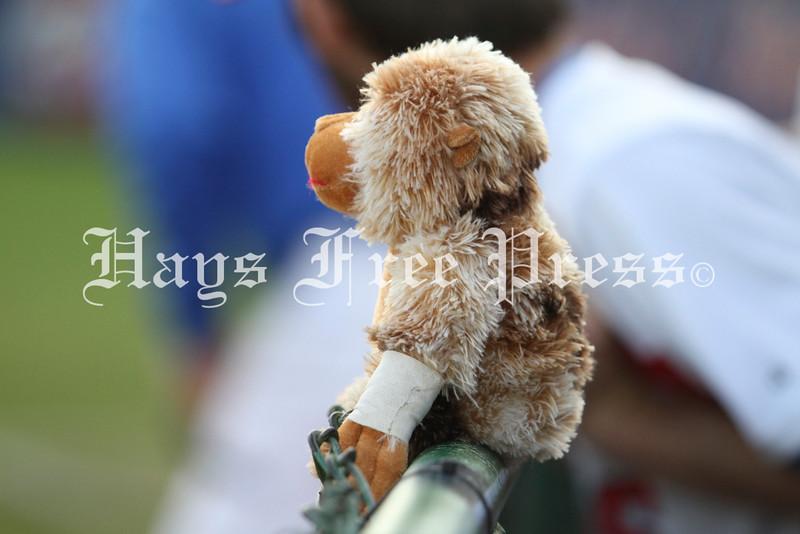 Hays baseball defeats Austin High 6-5