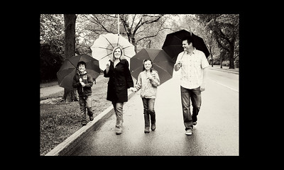 family umbrellas bw 8x10