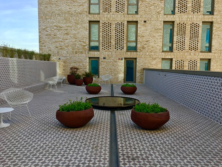 Rooftop Courtyard, Victoria Hall (IIS & AKU Student Residence).  Kings Cross, London, UK
