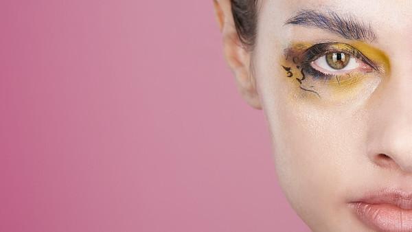 200f2-ottawa-headshot-photographer-Anna Della Zazzera Makeup 13 Jan 201944597-Christine Hager-Web 1