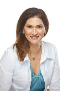 2019_01_22-Dr NancyAziziHeadshots05713