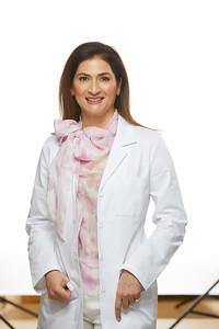 2019_01_22-Dr NancyAziziHeadshots05640