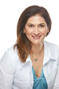 2019_01_22-Dr NancyAziziHeadshots05712