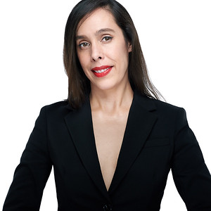 200f2-ottawa-headshot-photographer-Eloisa García 6 Aug 201954092-Web 1