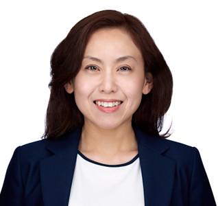 200f2-ottawa-headshot-photographer-Zhu-Maggie-350x330