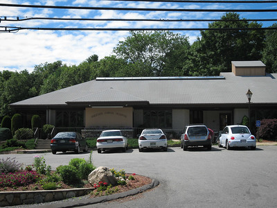Andover Animal Hospital  Specializing in exotics and small animal surgeries, Hamilton Lincoln, VMD is the official veterinarian of the Hamor Hollow Hedgehogs.  Please contact him at:  Andover Animal Hospital, Inc. 233 Lowell Street Andover, MA  01810 Phone: +1 978 475 3600 Web: AndoverAnimal.com  Filename reference: 20050709-025654-HAH-Andover_Animal_Hospital-SM