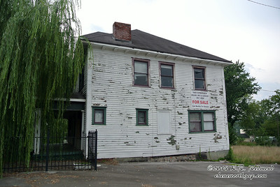 115 Baxter Avenue
