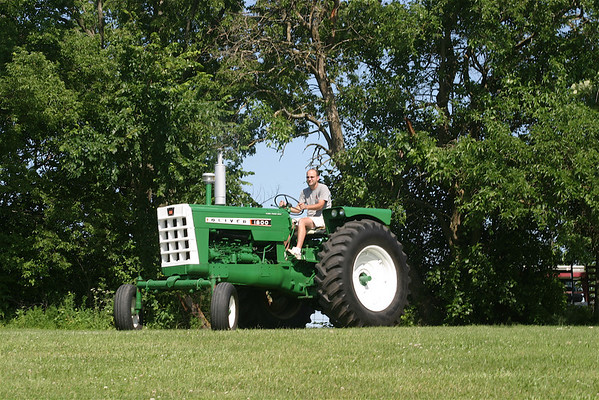 Oliver Tractors 08