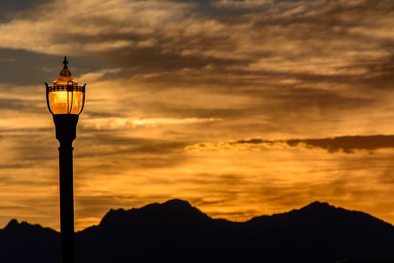 SRc1607_6588_Lamp