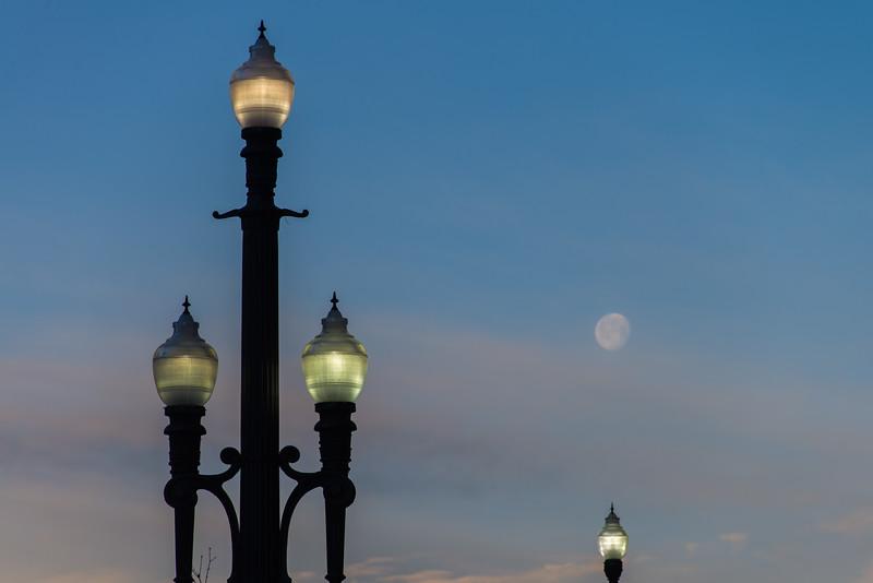 SRb1502_0327_Moonset