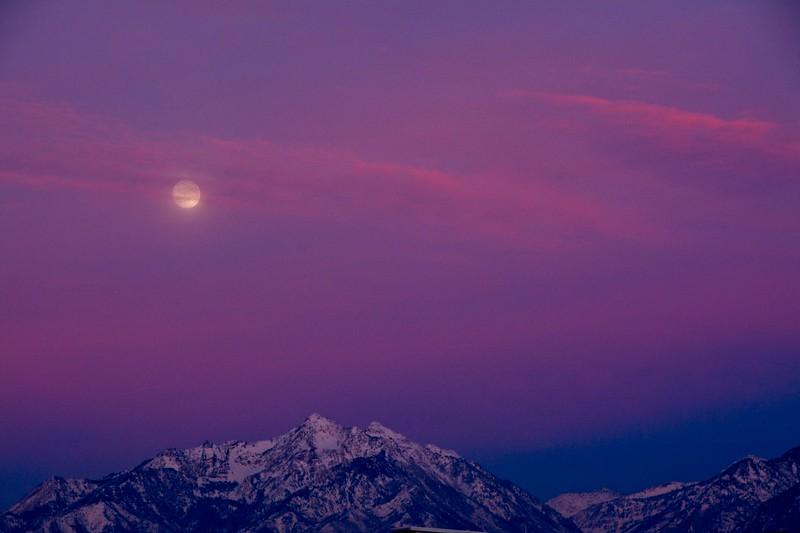 SRf1912_1715_Moon