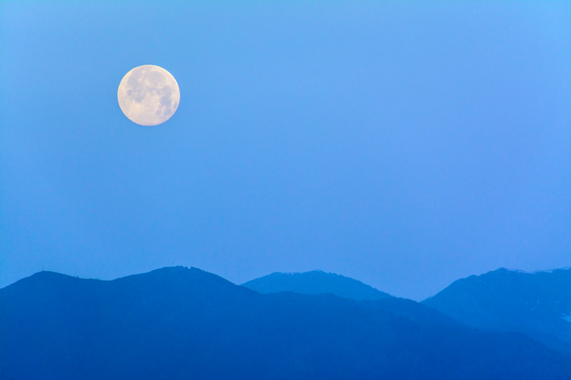 SRV1406_5092_Moonset