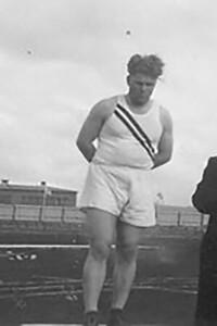 Verðlaunaafhending 17. júní 1945, Gunnar Huseby.
