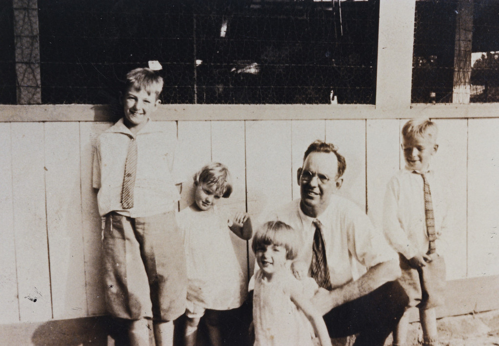 ~ 1930<br /> <br /> John, Dot, Mary, Grandaddy (James Lemuel Pledger) and Jr.