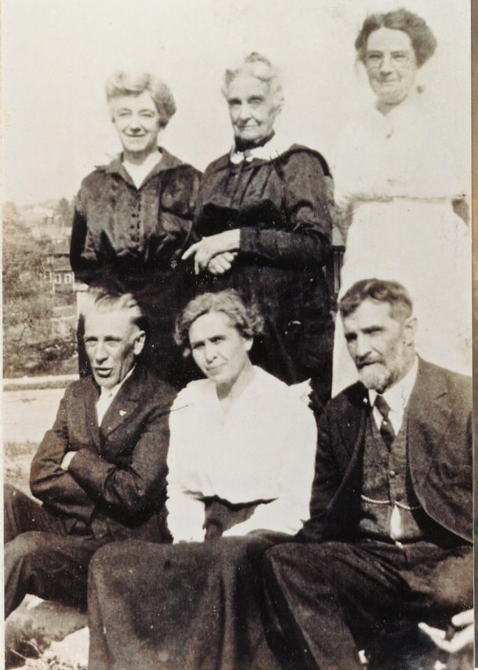 LaSalle Family<br /> <br /> Mama (Montez's mother), Grandmag (Montez's grandmother), Aunt Aggie, Uncle Hamp, ?, Papa (Montez's father).