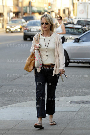 EXCLUSIVE- Helen Hunt take a walk in Venice, California.