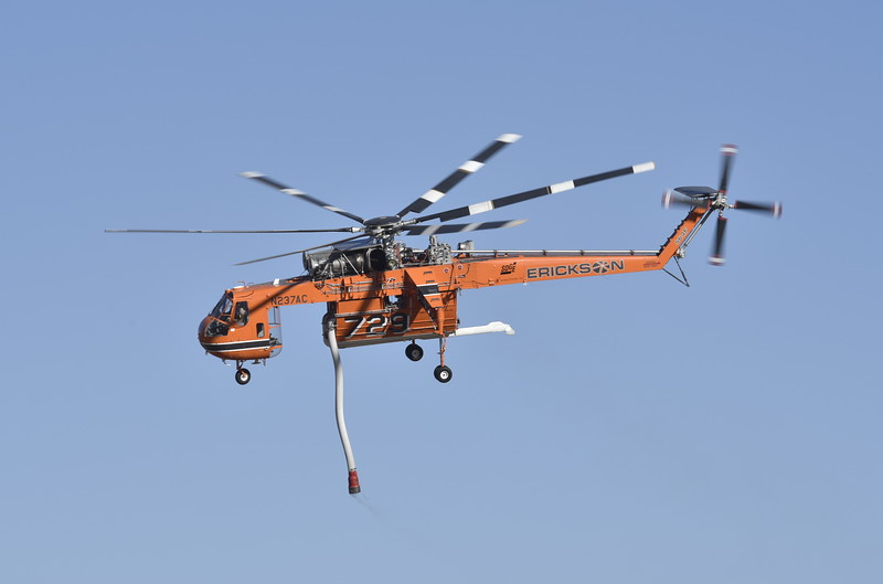Heli-Tanker 729<br /> 1970 S-64F<br /> N237AC<br /> s/n 64-095<br /> <br /> 10/14/17 CNF-Green Wildfire