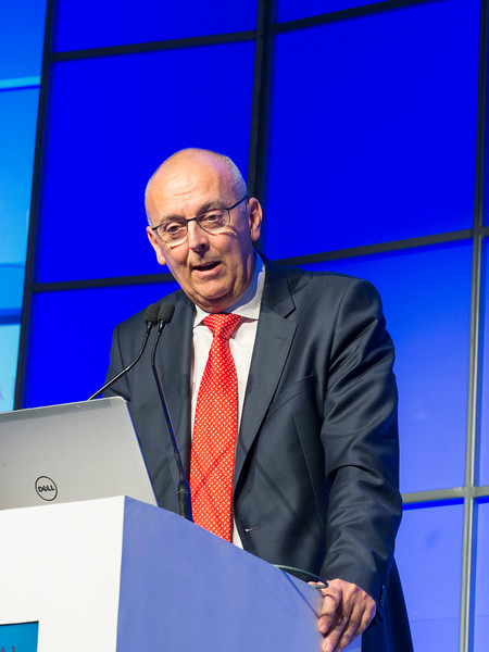 Laurent Garderet, MD speaks during the Simultaneous Oral Session: Diagnosis and Risk Stratification session