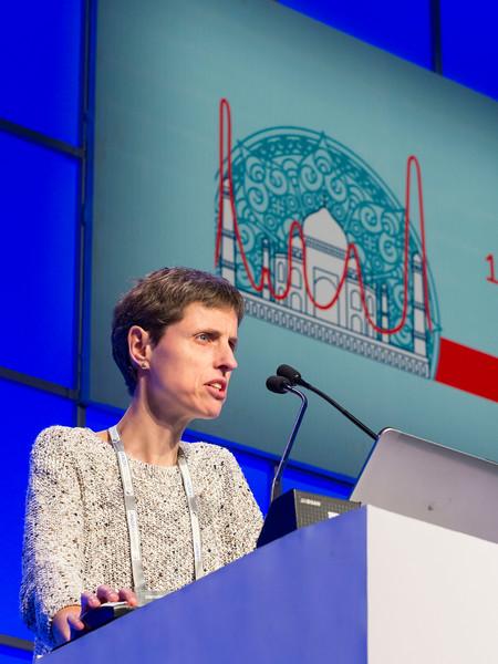 Laura Rosinol, MD speaks during the Precursor Disease States session