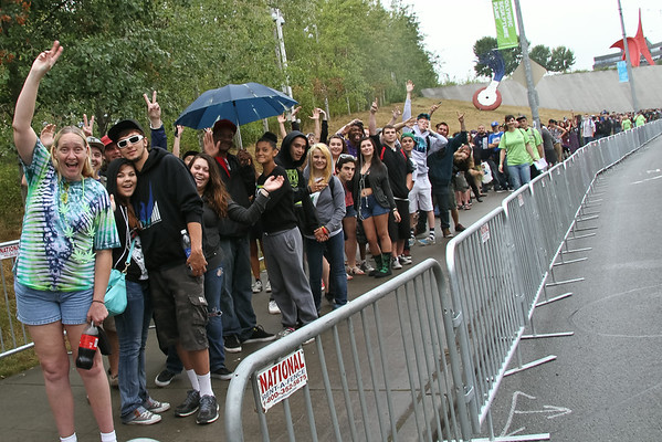 <b>Hundreds of thousands attend Hempfest each year. The lines stretch for many blocks before opening!  Photo by Kerry Copeland</B>