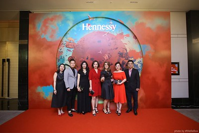 Hennessy-Dinner-Hanoi-WefieBox-Photobooth-Vietnam-Chup-hinh-in-anh-lay-lien-Toan-quoc-035