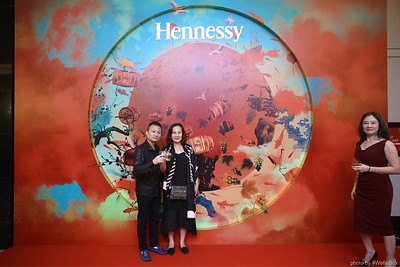 Hennessy-Dinner-Hanoi-WefieBox-Photobooth-Vietnam-Chup-hinh-in-anh-lay-lien-Toan-quoc-005
