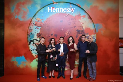 Hennessy-Dinner-Hanoi-WefieBox-Photobooth-Vietnam-Chup-hinh-in-anh-lay-lien-Toan-quoc-004