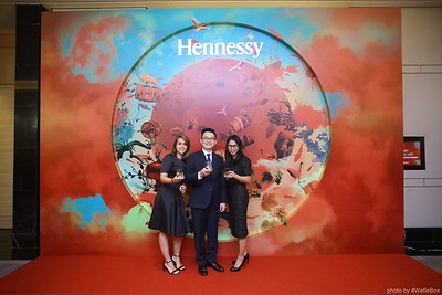 Hennessy-Dinner-Hanoi-WefieBox-Photobooth-Vietnam-Chup-hinh-in-anh-lay-lien-Toan-quoc-014